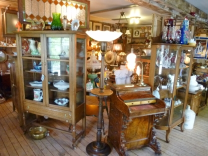 Ol' Lamplighter Antique Shop - Antique Dealers - 204-223-7144