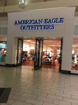 American Eagle Store - Magasins de vêtements - 604-464-5804