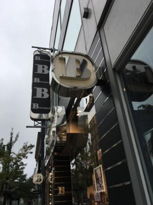57ce78fc7cd Shoe Stores near Concordia University Archives QC