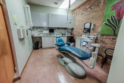 Dr Isabelle Perrault - Cliniques et centres dentaires - 514-277-3368