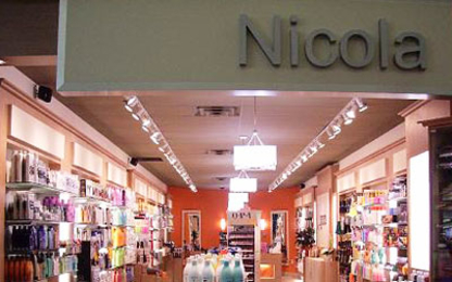Nicola - Hairdressers & Beauty Salons - 450-961-1011