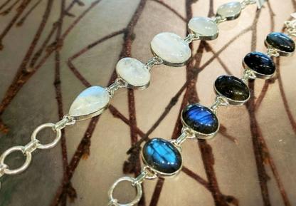 Taraxca Jewellery - Jewellers & Jewellery Stores - 604-732-8990