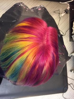 Deja Vu Kreations Studio - Hairdressers & Beauty Salons - 306-446-4242