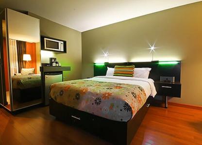 Hôtel Must - Hôtels - 418-380-6878