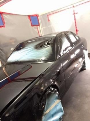 Dwayne's Auto Body Repair & Painting - Réparation de carrosserie et peinture automobile