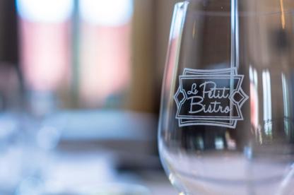 Le Petit Bistro - Restaurants - 514-524-4442