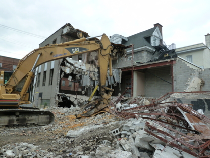 Robert Gourlay Equipment Rentals - Demolition Contractors - 613-822-8722