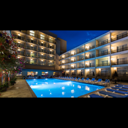 Coast Capri Hotel - Hotels - 250-860-6060