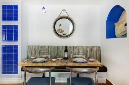 Petros - Restaurants - 514-938-5656