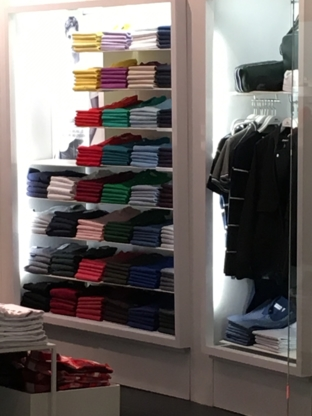 Lacoste - Magasins de vêtements - 604-263-1221