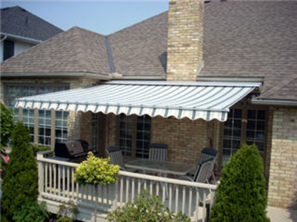 London Awnings - Decks - 519-473-1723