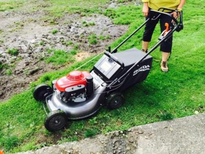 Adam's Lawn & Yard Maintenance - Déneigement