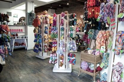 La Maison Tricotée - Magasins de laine et de fil à tricoter - 514-903-9665