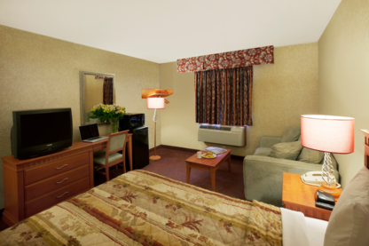 Canadas Best Value Inn - Hotels - 905-773-3333