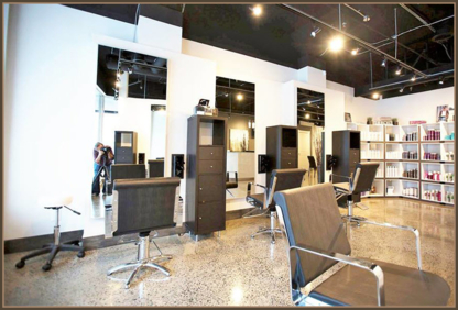 Deluca Hair - Black Hair Salons - 613-680-4247