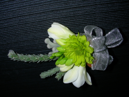 Voir le profil de Pirin Flowers and Gifts - Coquitlam