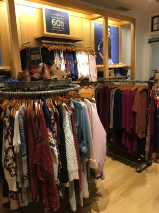 American Eagle Store - Clothing Manufacturers & Wholesalers