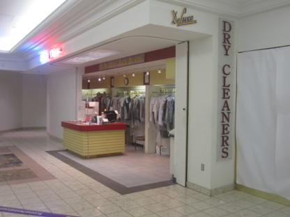 Deluxe Dry Cleaners - Dry Cleaners