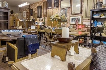 Junk Tiques Ltd - Réparation, réfection et décapage de meubles