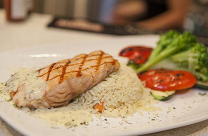 Universel Déjeuner & Grillade - Steakhouses - 438-793-4811