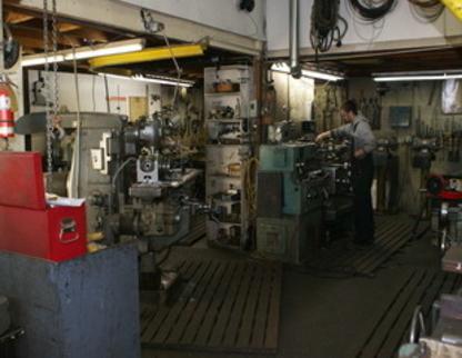 Leach Machine Works Ltd - Machine Shops - 250-383-5411