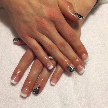 Maw's Claws Nail Salon - 506-392-5551