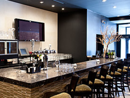 Globe Bistro - Restaurants - 416-466-2000