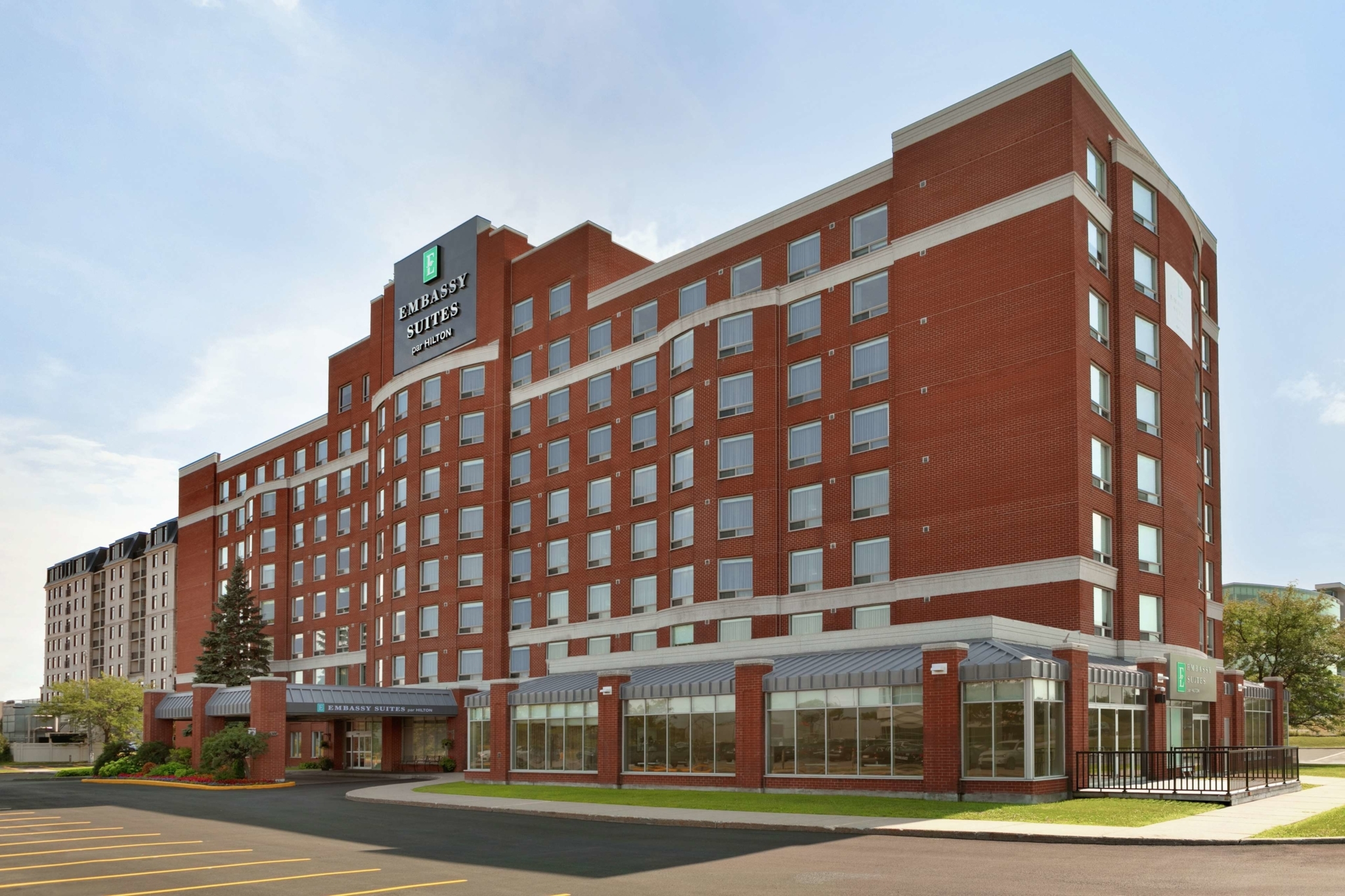 Embassy Suites by Hilton Montreal Airport - Hôtels