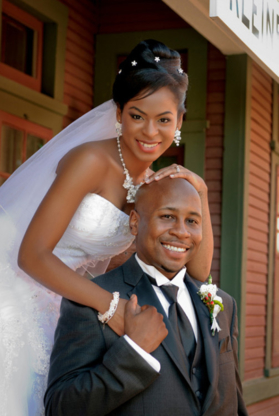 Creative Wedding Options - Portrait & Wedding Photographers - 416-255-9977