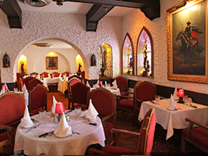Zorro's Steakhouse - Banquet Rooms - 289-724-3145