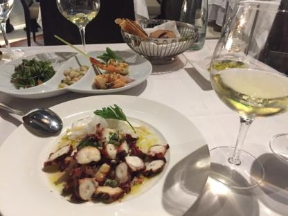 Voir le profil de Milos Restaurant - L'Acadie