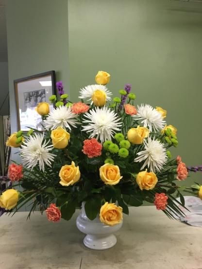 Charleswood Florist - Accessoires et organisation de planification de mariages - 204-888-2054