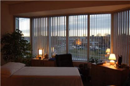 Oakville Shiatsu & Massage Therapy Centre - Massage Therapists - 905-845-3137