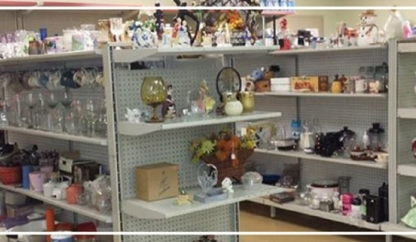 Renaie's Treasure & Thrift Store Inc - Magasins d'occasions