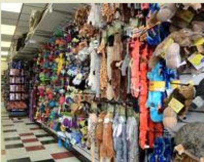 Sadie's Pet Stop - Magasins d'accessoires et de nourriture pour animaux - 780-448-1737