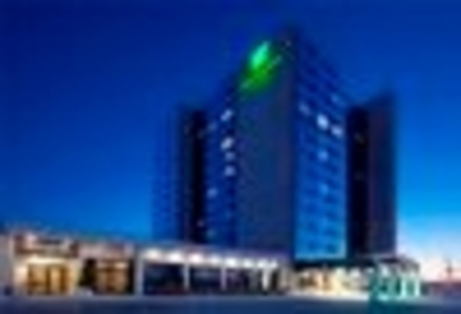 Holiday Inn Hotel & Suites Pointe-Claire Montreal Airport - Hotels