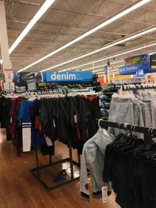 Walmart Supercentre Deerfoot Outlet Mall Main Information - Grands magasins - 403-730-0990