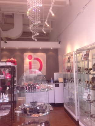 View Dash Beauty Bar And Accessories's Thornhill profile