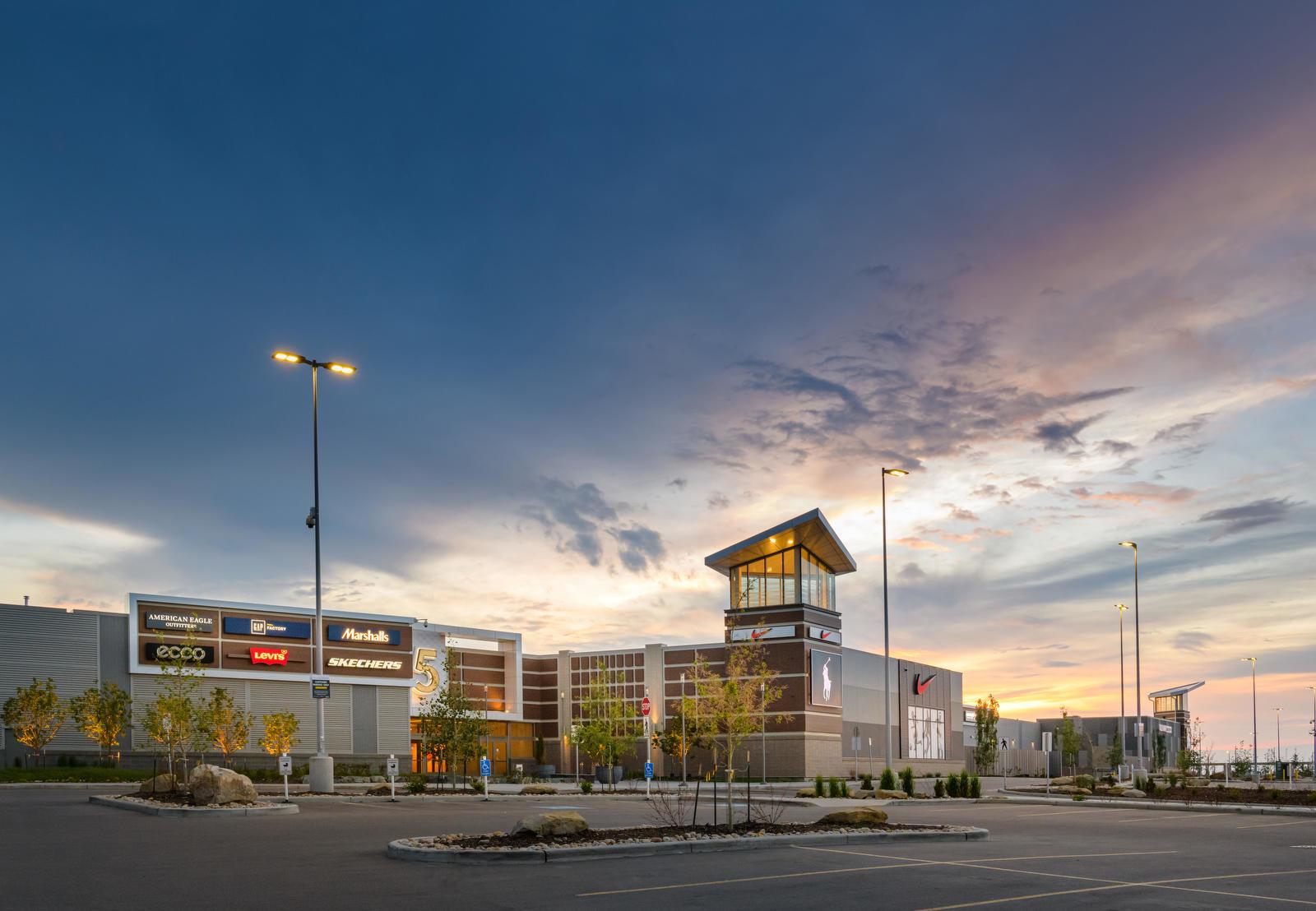 Premium Outlet Collection Edmonton International Airport - Factory Outlets