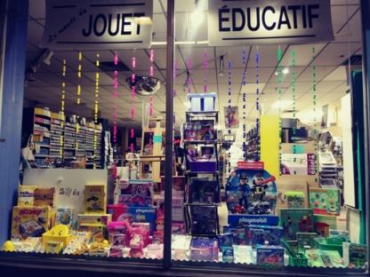 A l'Echelle Du Monde - School Supplies
