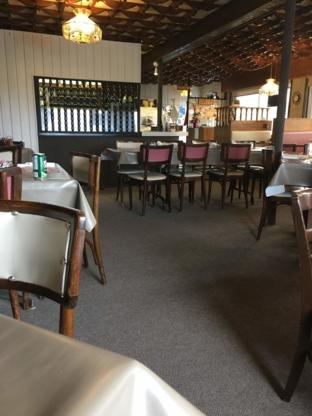 Rolly's Restaurant & Motel - Restaurants - 705-236-4004