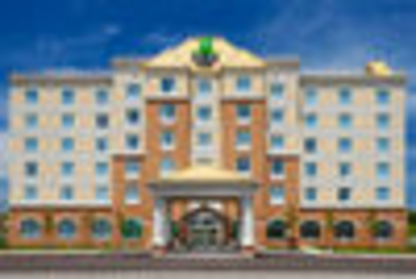 Holiday Inn Express & Suites Clarington - Bowmanville - Hôtels - 1-877-654-0228