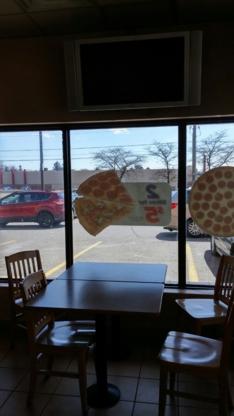 Pizza Pizza - Pizza et pizzérias - 416-967-1111