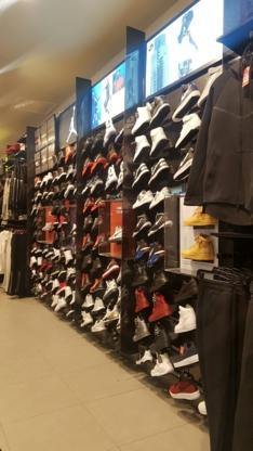 Claire Pointe Fairview Magasins Près Chaussures Qc Centre De Le a70vq