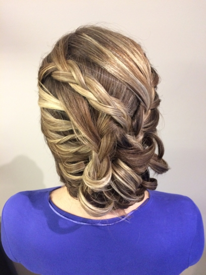 Jennifer's Hair Boutique - Salons de coiffure et de beauté - 905-503-2606