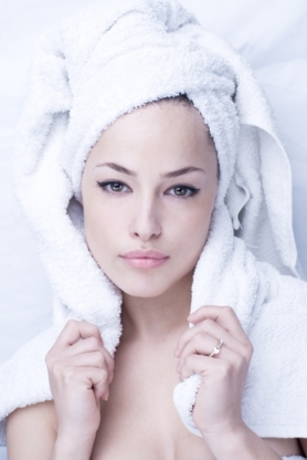 Head Hunters Salon & Day Spa - Hair Extensions - 403-782-5800