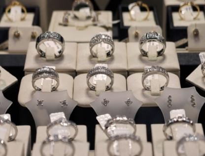 Bijoux Box Jewellers - Jewellers & Jewellery Stores