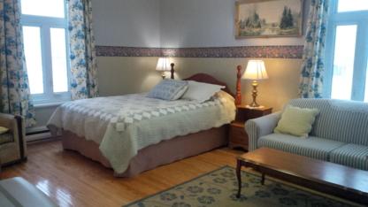 Auberge des Marronniers - Bed & Breakfasts - 418-806-1749