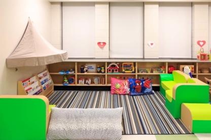 Les Étoiles Brillantes - Childcare Services - 647-832-5728