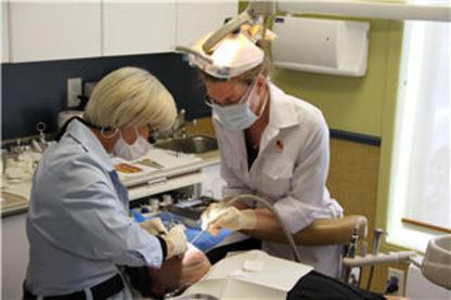 Centre Dentaire Bouchard Laperrière Lavoie et Associés - Teeth Whitening Services